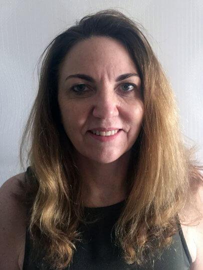 Carla Cíntia Back